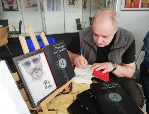 """""""Czytać, czytać, aż się człowiek czegoś doczyta"""" – powiada Jan Gondowicz"""